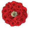 16 Rosas eternas Rojas + 1 rosa eterna dorada en caja bombonera de color negra. Rosas naturales preservadas.