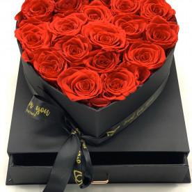 16 Rosas rojas preservadas en caja joyero formando un corazón. Regalo romántico para ella.