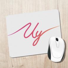 Alfombrilla blanca para escritorio con logo del youtuber Uy Albert! en colores