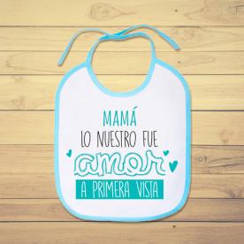 Babero de bebé personalizado para alegrarle el día a tu mamá