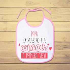 Babero de bebé personalizado para alegrarle el día a tu papá