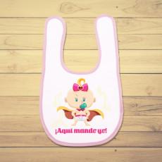 Babero personalizado para la bebé de la casa, con diseño de súper bebé.