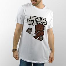 Camiseta Chewbacca dándole patada a Porg
