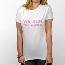 Camiseta manga corta para chicas fuertes, porque nosotras movemos el mundo!.