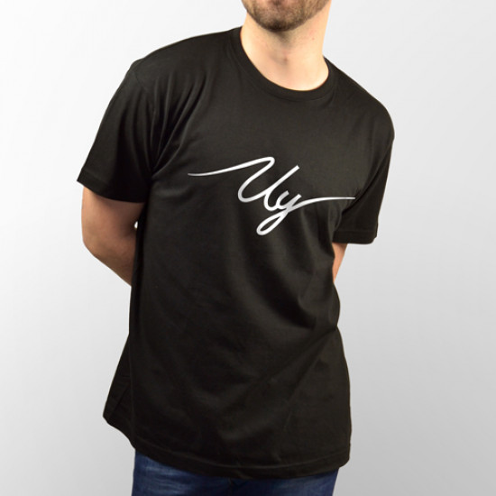 Camiseta negra de manga corta con logo del youtuber Uy Albert! en blanco