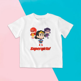 Camiseta para niña con dibujo de superhéroes