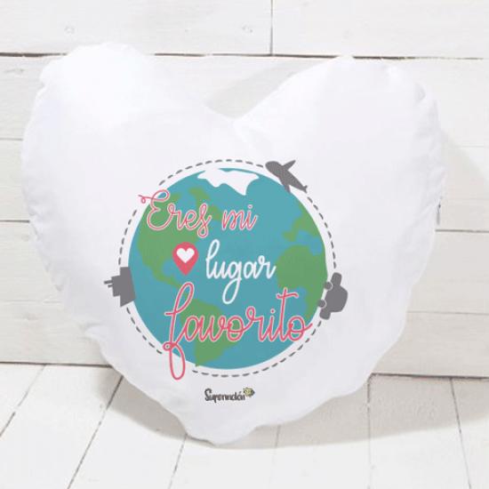 Cojín de algodón color natural en forma de corazón con frase amorosa (RELLENO INCLUIDO)