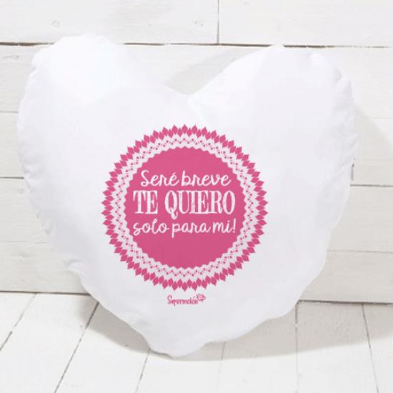 Cojín de algodón color natural en forma de corazón con frase romántica (RELLENO INCLUIDO)