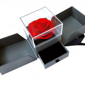 Rosa eterna en caja joyería con cajón para colocar el anillo de pedida, ideal para pedida de matrimonio. Incluye tarjeta dedicatoria.