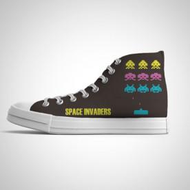Zapatillas impresas de caña alta con diseño de juego de videoconsola de los 80'